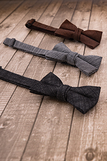 Bow Tie: Crosshatch - side view